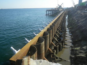 四日市地区15号岸壁(-10m)耐震強化岸壁整備工事(その4)