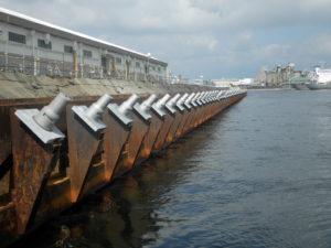 四日市地区15号岸壁(-10m)耐震強化岸壁整備工事(その6)